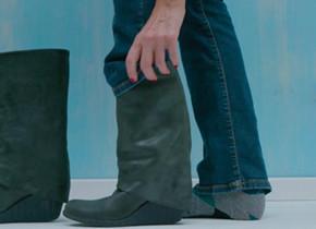 Libelle's Lifehack: Zo krijg je je jeans wél in je laarzen